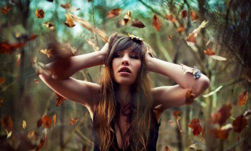 Эмоциональное состояние человека осенью сильно отличается от летнего. Узнайте, как не впасть в депрессию, обрести или вернуть радость жизни и положительные эмоции.