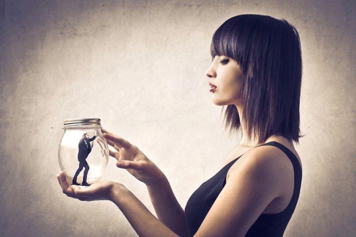 Причина низкой женской энергии у «сильных» женщин